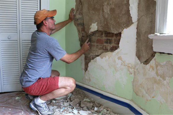 How to expose brick walls in old homes